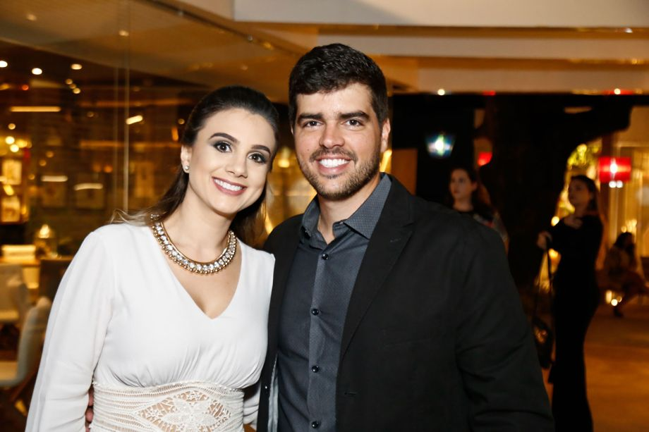 <span>Leonardo Carneiro e Lorena Cabral</span>
