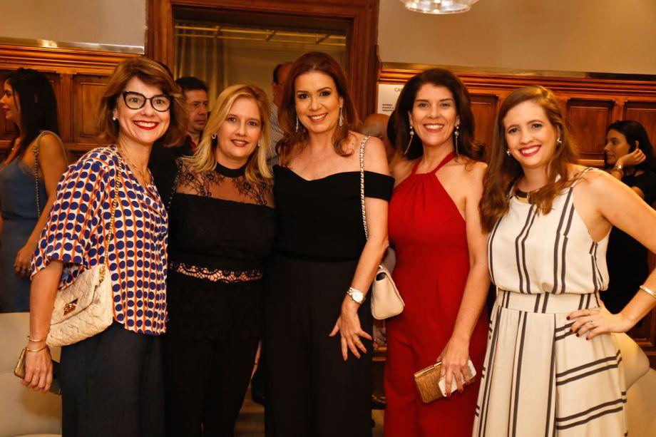<span>Marcelle Farias, Gisella Pereira, Patrícia Duarte, Sophia Reinaux e Madu Figueredo</span>