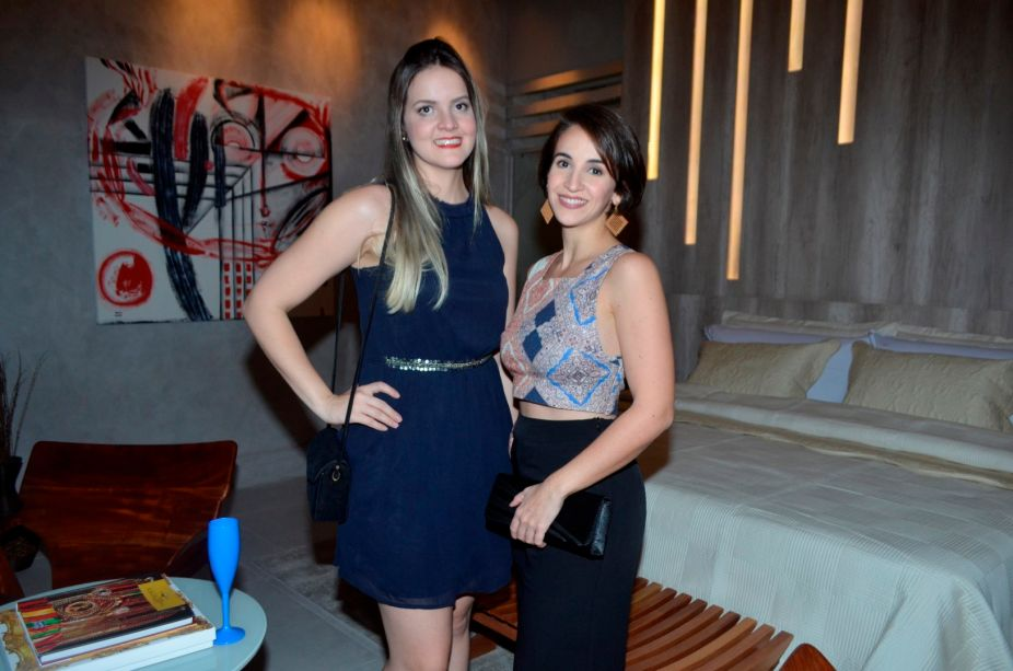 <span>As arquitetas Thays Gabrielle Pontes de Almeida e Yara Tizeu Correia da Rocha</span>