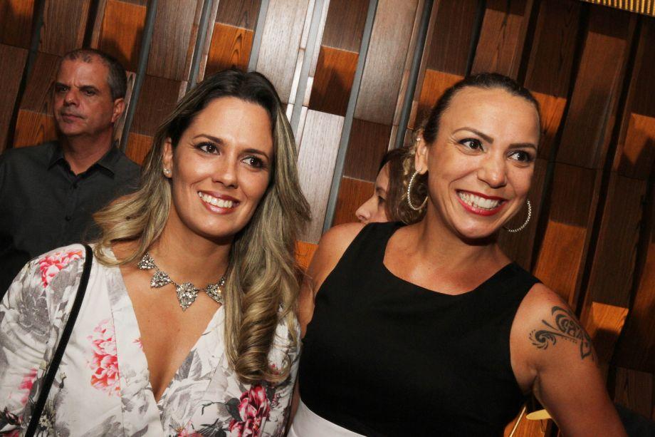 Ângela Campos e Fabiane Pinheiro