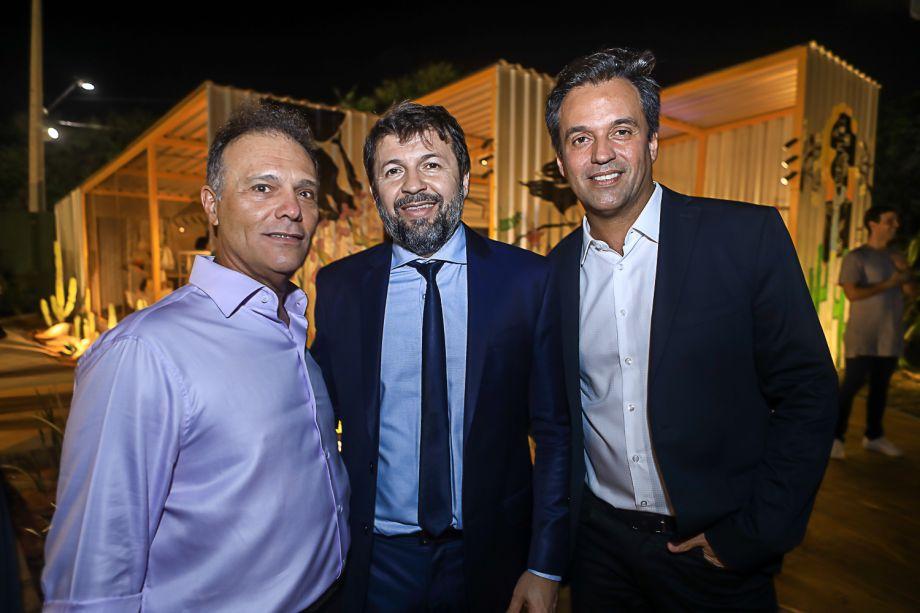 José Carlos Pontes, Elcio Batista e Fernando Novais
