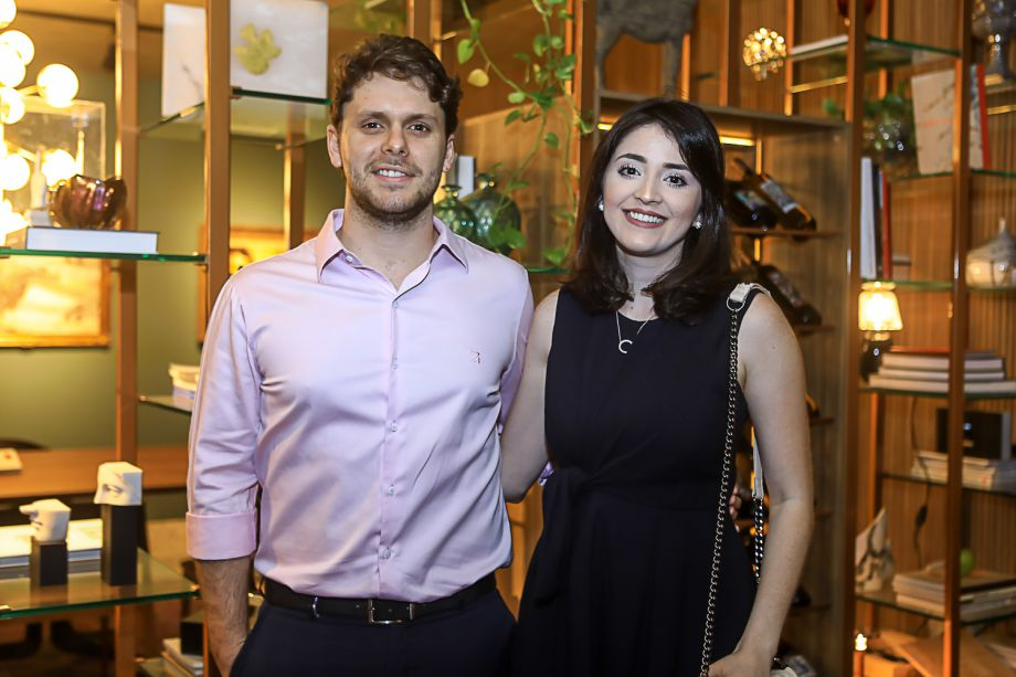 Victor Perlingeiro e Clarissa Faco