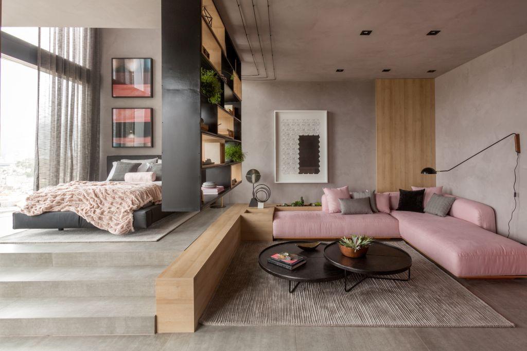 estantes vazadas; casacor; decoração; sala de estar