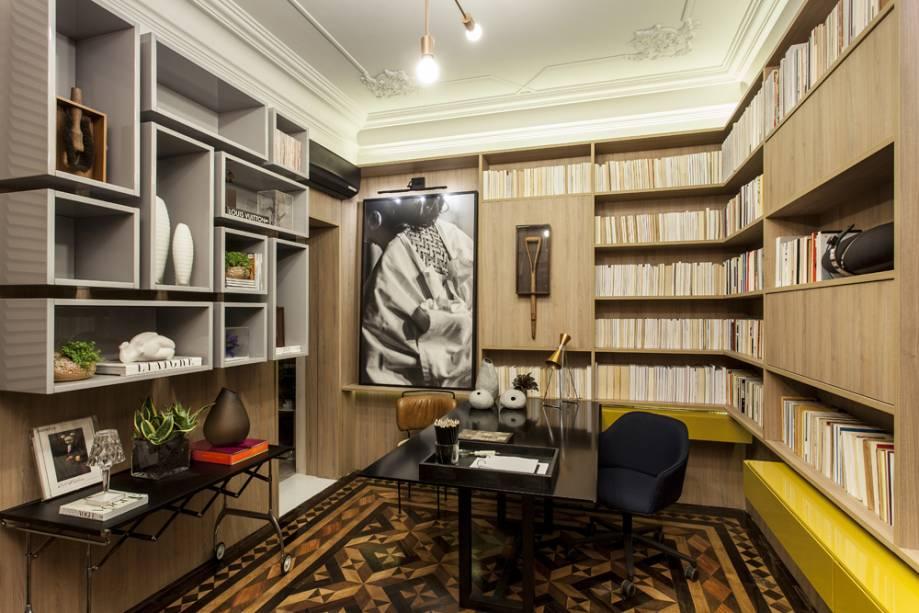 biblioteca no home office