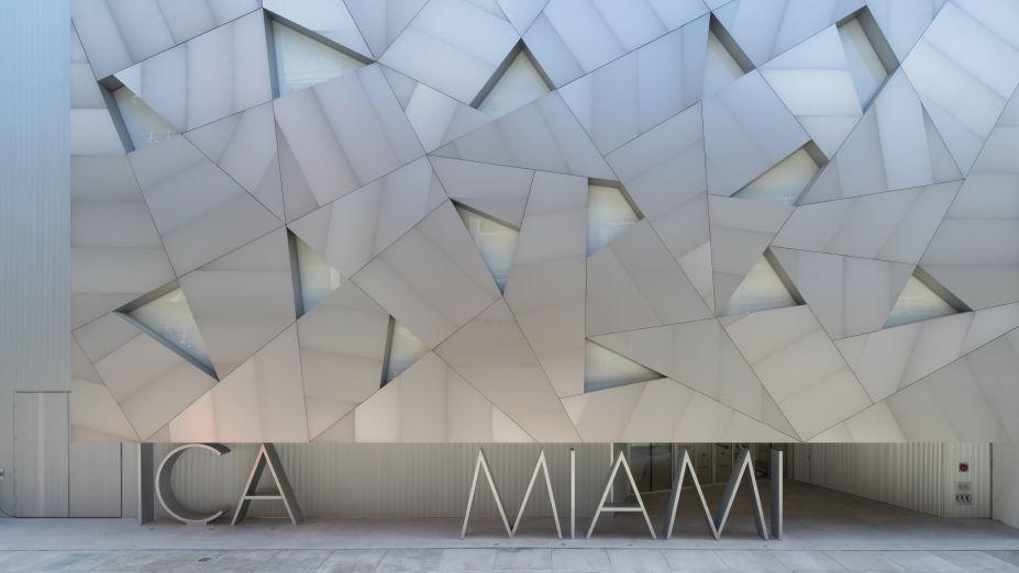 """O Instituto de Arte Contemporânea de Miami (ICA Miami) será inaugurado especialmente para a feira com obras de grandes artistas comoEdward and Nancy Kienholz, SengaNengudi, Helio Oticica, Tomm El-Saieh, Robert Gober e Chris Ofili.<div class=""""emailWidget""""><div class=""""emailMessage""""></div></div>"""