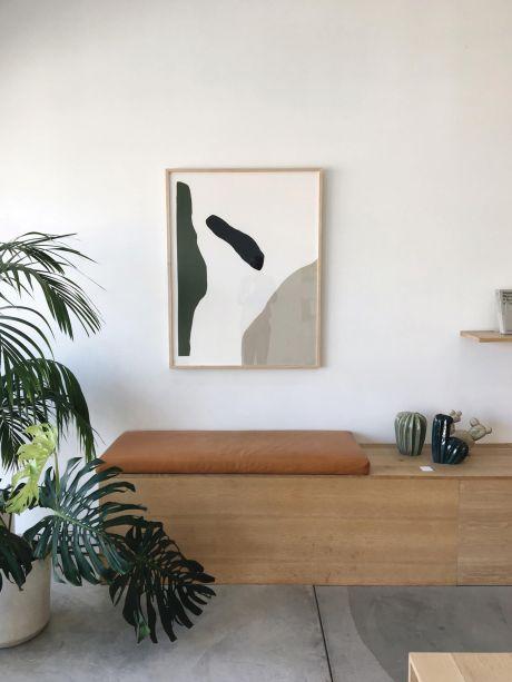 Danielle Romero -O progresso não é necessariamente desassociado do viver em harmonia com a natureza e essa é a mensagem que ela tenta transmitir em seu trabalho, uma exploração multidisciplinar em expressão criativa com pinturas e desenhos.