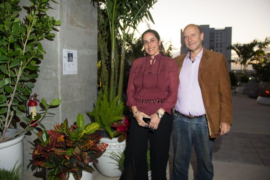 Adriana Mavigner e convidado