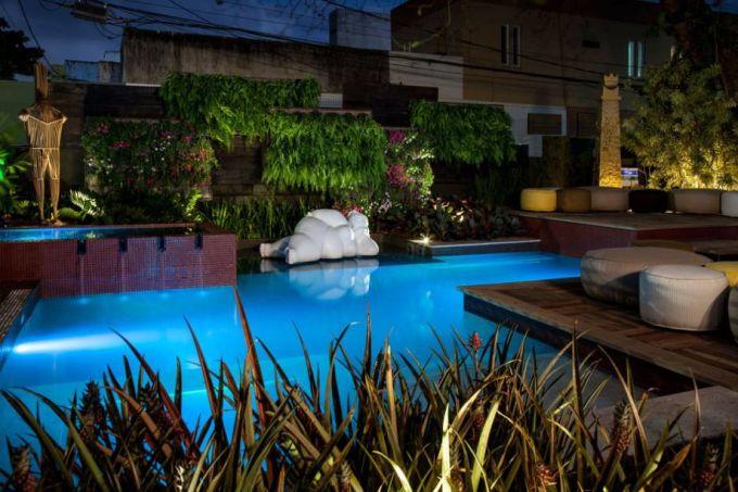 piscina do jardim