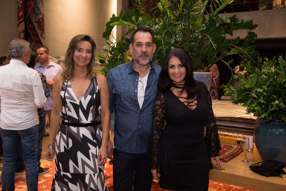 Gabriela Ordahy, Carlos Flores e Aclaene de Mello