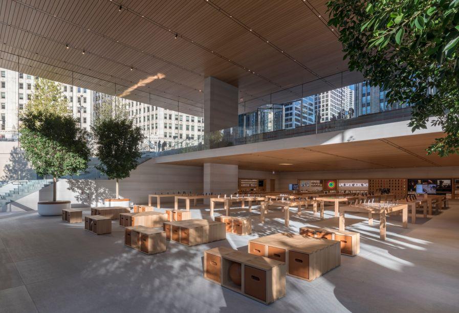 Arquitetura Comercial: Apple Store Michigan Avenue, Chicago / Foster + Partners