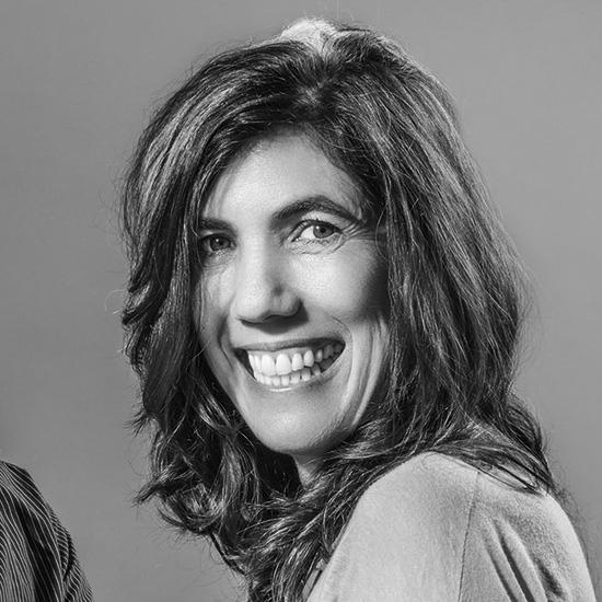 Sandra Barclay é arquiteta formada pela Universidade de Lima, no Peru e pela Paris-Belleville, na França. É co-fundadora do escritório Barclay & Crousse Architecture e foi curadora do Pavilhão Peruano na 15ª Bienal de Veneza. Ela concorre ao prêmio com o projetoParacas Museum, no Peru.