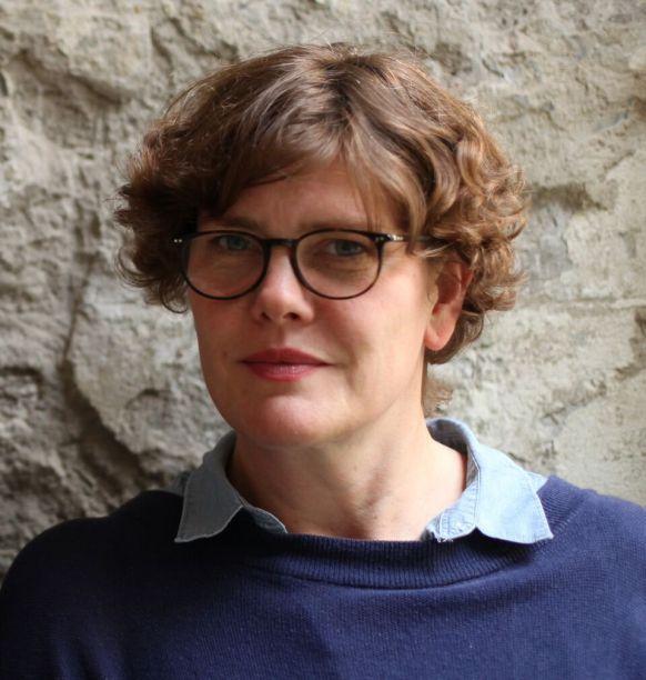 Stephanie Macdonald estudou belas artes na Portsmouth College of Art e arquitetura na Mackintosh School of Architecture, na Royal College of Art and London Metropolitan University. É co-fundadora do escritório 6a Architects e está concorrendo ao prêmio com o projeto do<span>Cowan Court em Cambridge, Reino Unido.</span>