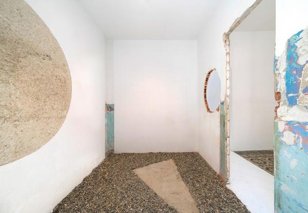La Cosa. Arquitetura e design se uniram nessa exposição ao ar livre que contou com apresentações ao vivo do Studio La Cube, Julen Ussía e Javier Montoro.