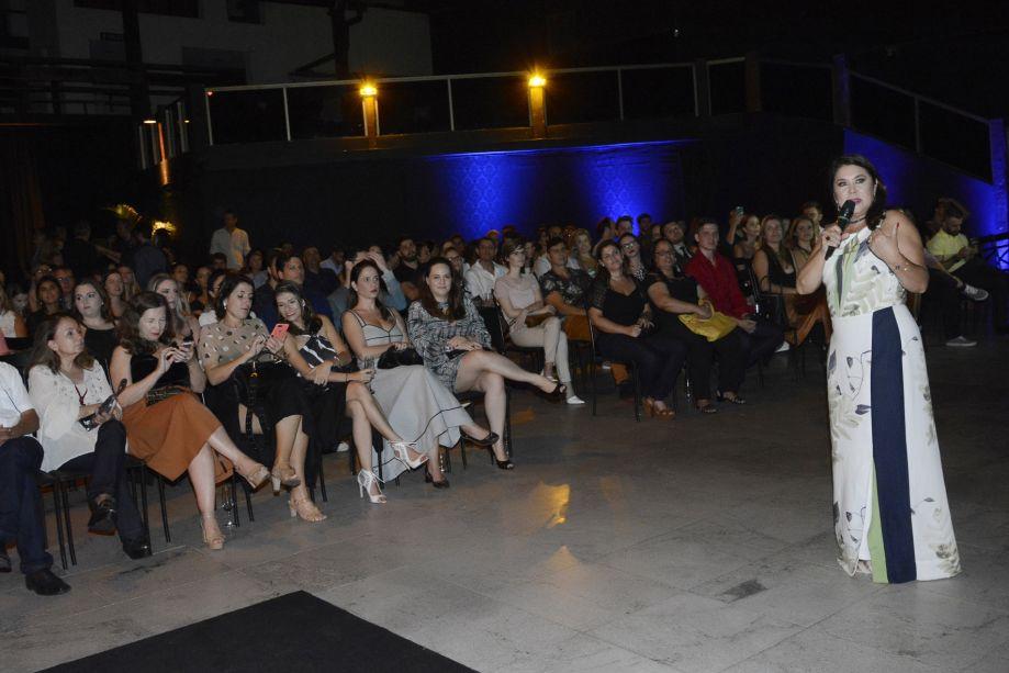 Rita Tristão apresenta a nova sede aos convidados