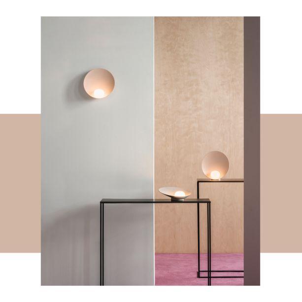 A Vibia apresentará suas novas coleções desenhadas por<span>Note Design Studio,</span>Stefan Diez, Arik Levy e Antoni Arola. Na imagem, a luminária Musa do<span>Note Design Studio.</span>