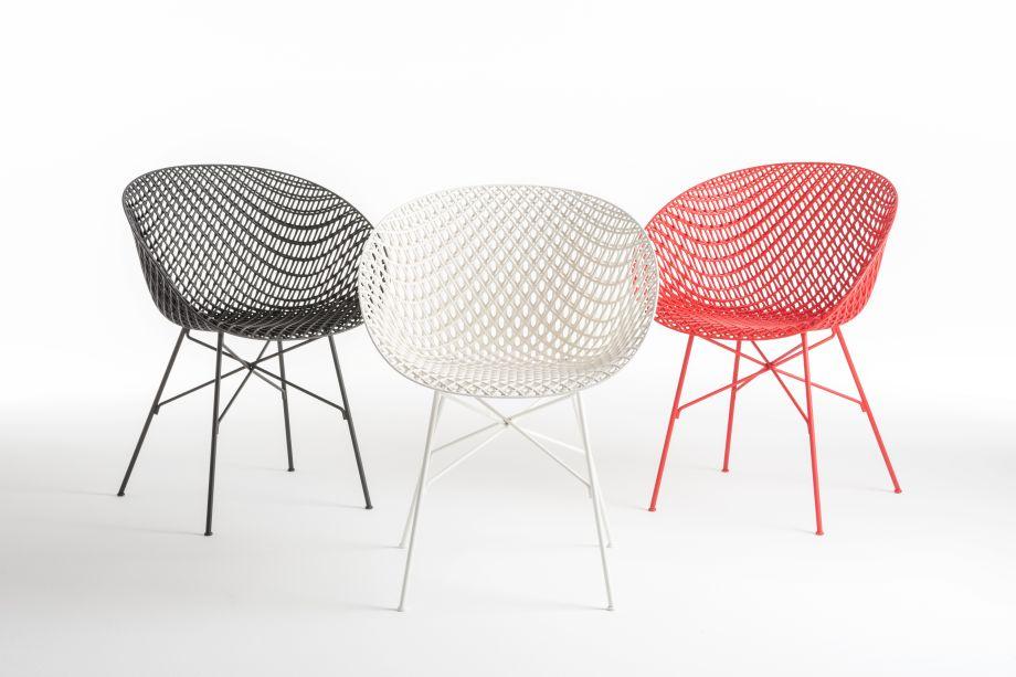 A Kartell continua a explorar a colaboração com designers internacionais, com coleções intimamente ligadas aos conceitos de singularidade e identidade. Com tecnologia e inovação sempre em mente, na imagem, a cadeira Matrix do designer japonês Tokujin Yoshioka, com uma estrutura 3D inovadora.