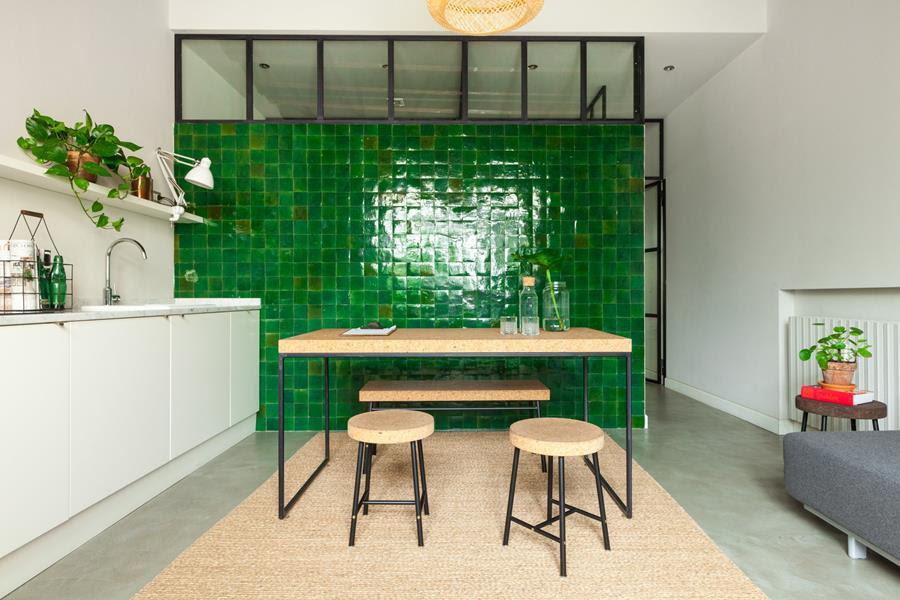 <strong>LUCA NICHETTO</strong>, Milão - Itália.Com o estúdio entre Veneza e Estocolmo, o designer Luca Nichetto escolhe este apartamento no coração de Milão para suas viagens de negócios.