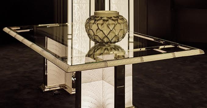 Os novos móveis e objetos de decoração projetados por Pierre-Yves Rochon, o famoso arquiteto de interioresque tem entre suas referências projetos para os hotéis Waldorf Astoria, Four Seasons, The Penisula e Shangri-La,serão apresentados pela marca LALIQUE no Salone del Mobile.