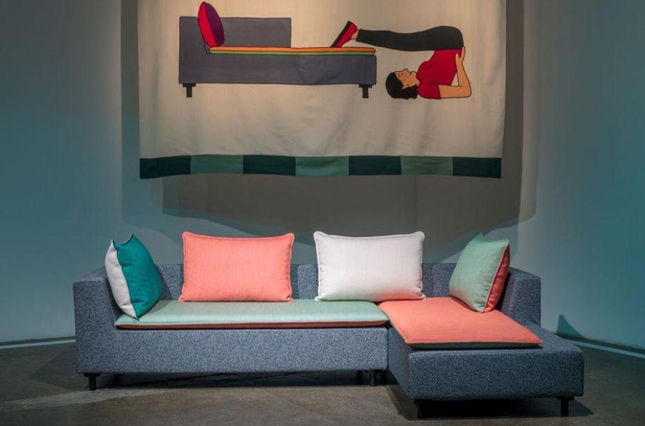 A Established & Sons colaborou com cinco talentosos designers internacionais para criar uma coleção audaciosa e acessível em 2018, fiel ao compromisso da marca com inovação. Cada peça foi projetada para contar uma história e ser atemporal, seja sozinha ou como parte de um conjunto.