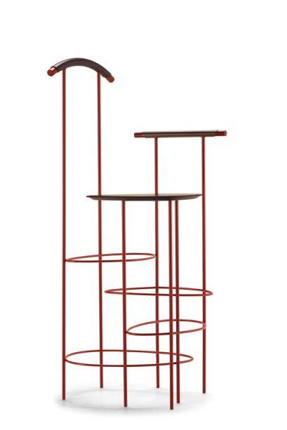A Frag apresentará a mesa Viae. Projetada pelo Analogia Project, a peça é inspirada nos paralelepípedos das antigas estradas romanas, moldados e polidos pelo tempo e pelo desgaste.