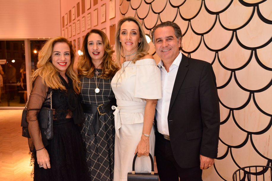 Adriana Frazão, Sandra Mendez, Karin Frazão, Beto Frazão