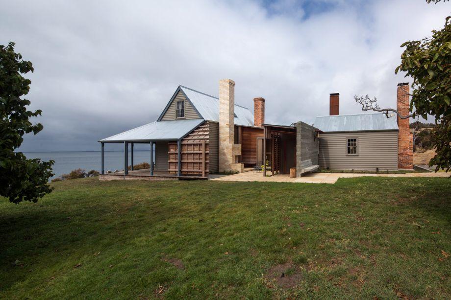 Captain Kelly_s Cottage: John Wardle Architects