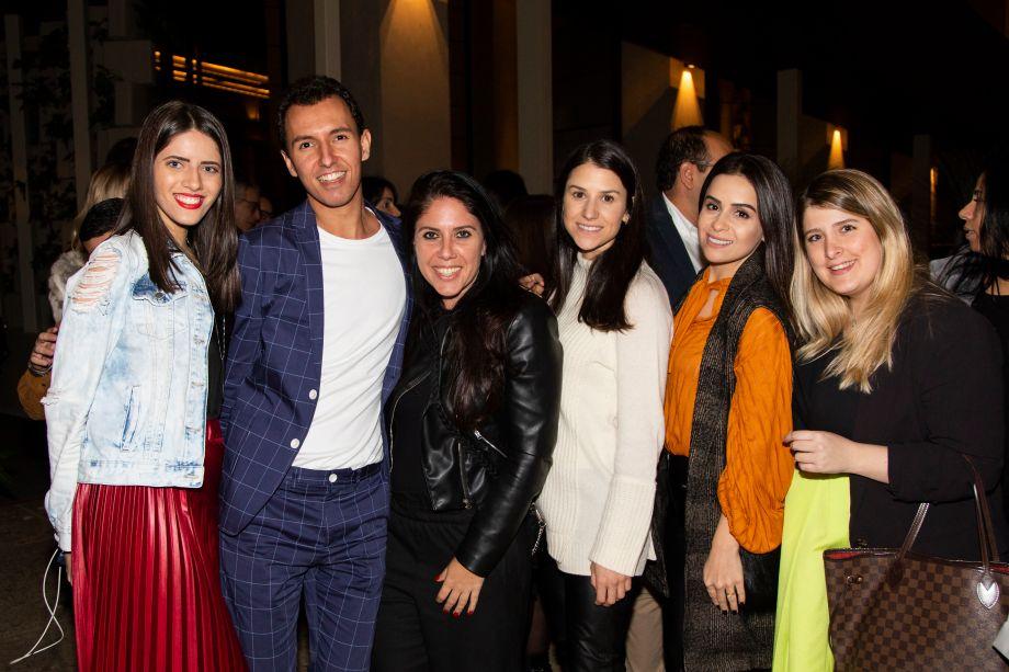 Lorena Lima, Felipe Potratz, Mariana Orsi, Olivia Vianna, Shine Braga e Jéssica Adam