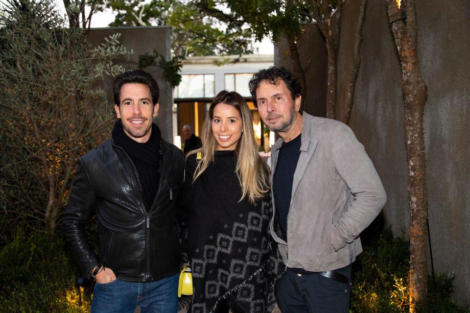 Daniel Nunes, Alana Coda e João Armentano