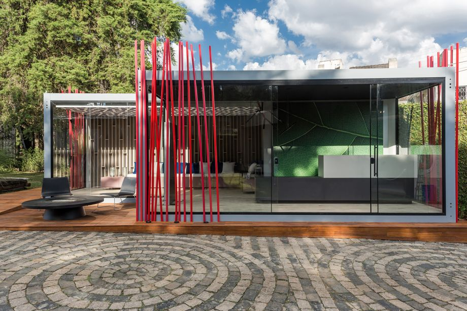 <strong>A MELHOR SOLUÇÃO COMERCIAL - VENCEDOR</strong>: Bilheteria e lounge, de Joyce Stroka, designer de interiores, e Thiago Guidolin, arquiteto, com 1.726 votos.