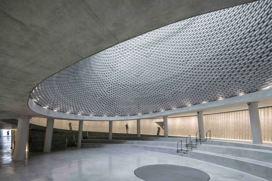 Mount Herzl Memorial Hall: Kimmel Eshkolot Architects in collaboration with Kalush Chechick architects