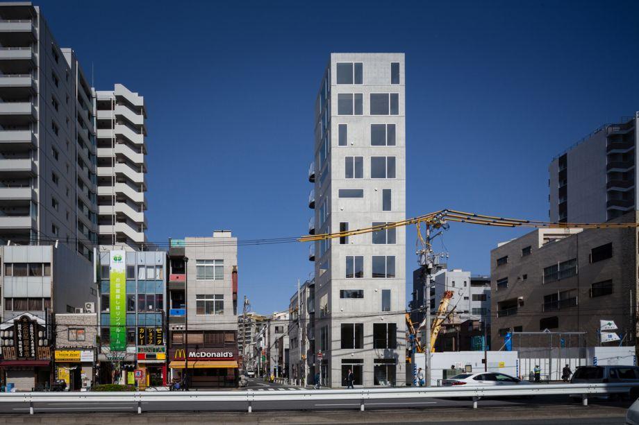Tatsumi Apartment House: Hiroyuki Ito Architects