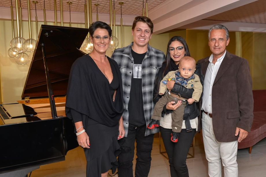 Franqueados com designer Bruno Faucz e família