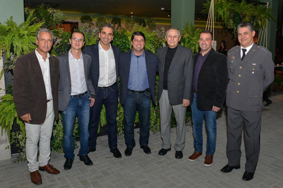 Luiz Bernardo, Luiz Marchiori com autoridades da região