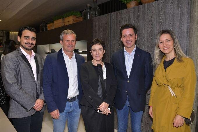 Matheus-Menezes,-David-Benavente,-Livia-Pedreira,-Eduardo-Cosentino-e-Elenice-Cardoso