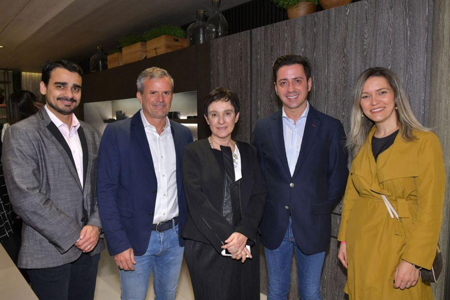 Matheus Menezes, David Benavente, Livia Pedreira, Eduardo Cosentino e Elenice Cardoso