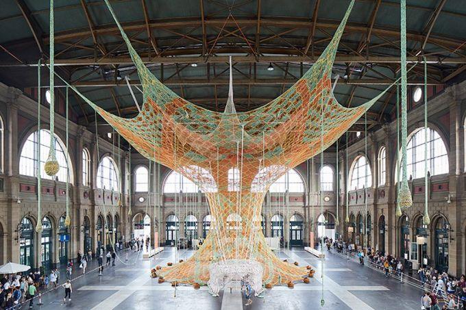 ernesto-neto-gaiamothertree-fondation-beyeler-zurich-designboom-001