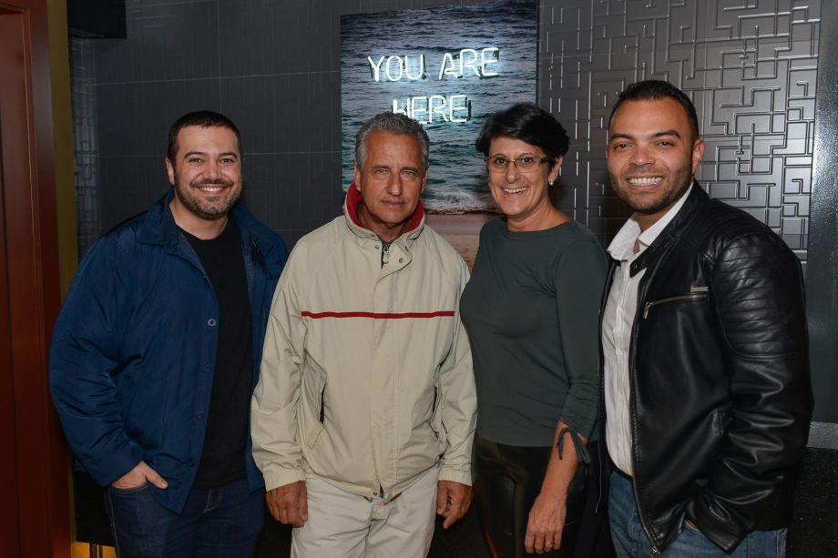Franqueados com os profissionais Jairo Lopes e Pedro Tessarollo