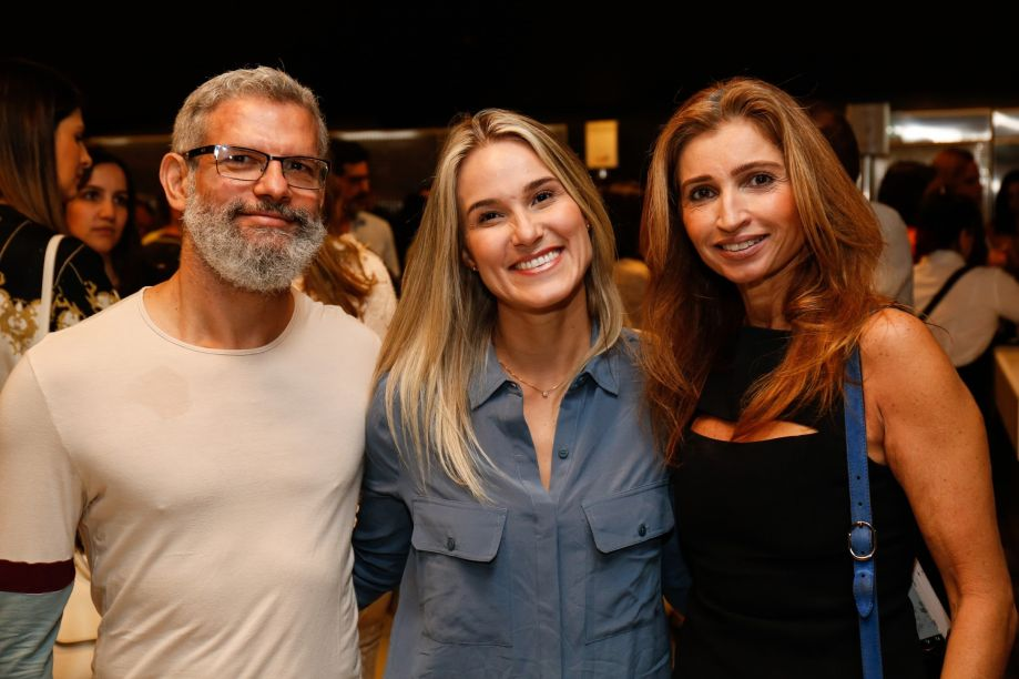 Sidney José, Poliana Rodrigues e Isabela Valença