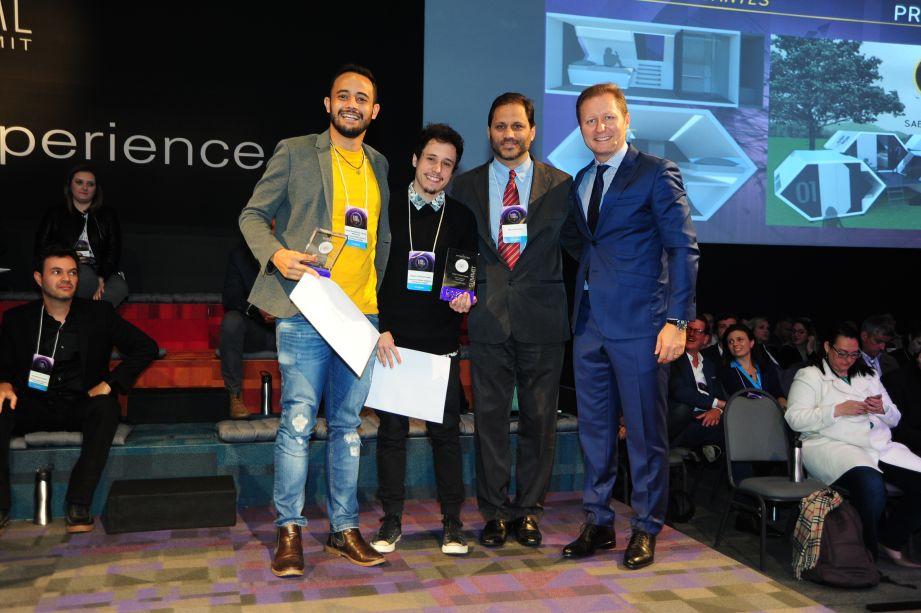 Estudantes (da esquerda para direita): Kaique Eduardo de Freitas Sepulveda, Gabriel Sabatino Basini, Paulo Niemeyer, Paulo Mancio