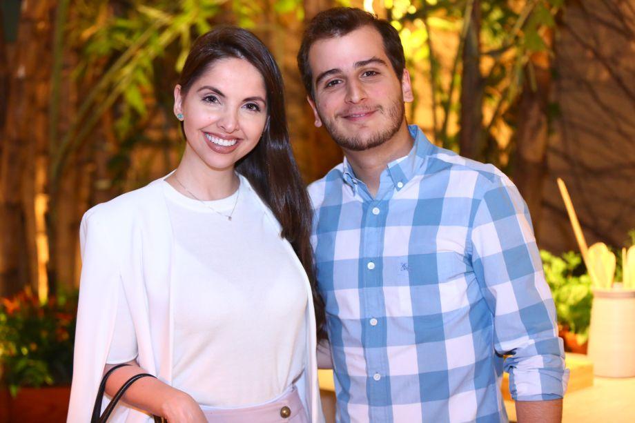 Jessie Caruzo e Neto Costa
