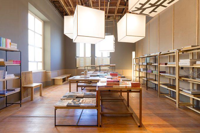 Livraria da Rua 02 – Carlos Alberto Maciel – foto Dentro Fotografia