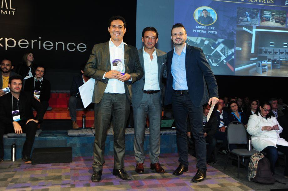 Categoria Produtos e serviços (da esquerda para a direita): André Luiz Pereira Pinto, Patrick Mendes, Fernando Mariante