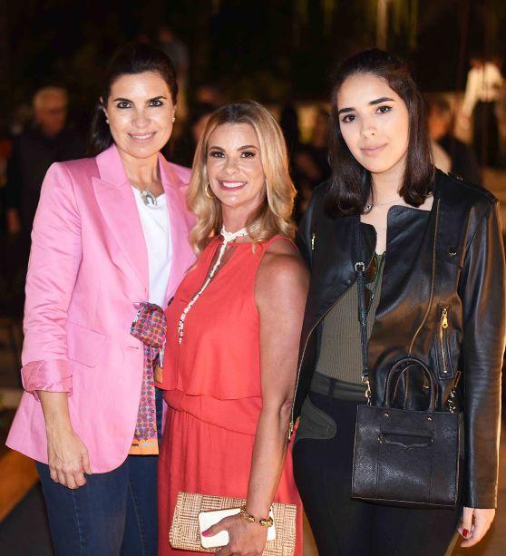 Cris Ferraciu, Carla Pimentel e Manoela Ferraciu