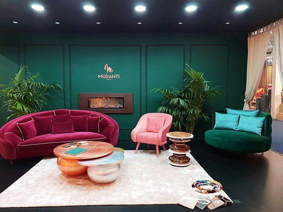 A Muranti busca encontrar um equilíbrio em seu mobiliário. A marca possui duas coleções, uma inspirada pela forma artesanal de encontrar pedras e metais preciosos e outra inspirada nas cores espetaculares e únicas desses mesmos metais e gemas.
