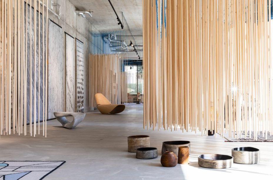 Matter of Stuff - Kings Cross. Com design de Thomas Heatherwick , a companhia de materiais Matter of Stuff apresenta resultados da residencia na Fenman House, bem como peças de marcas como Bocci e CC Tapis.