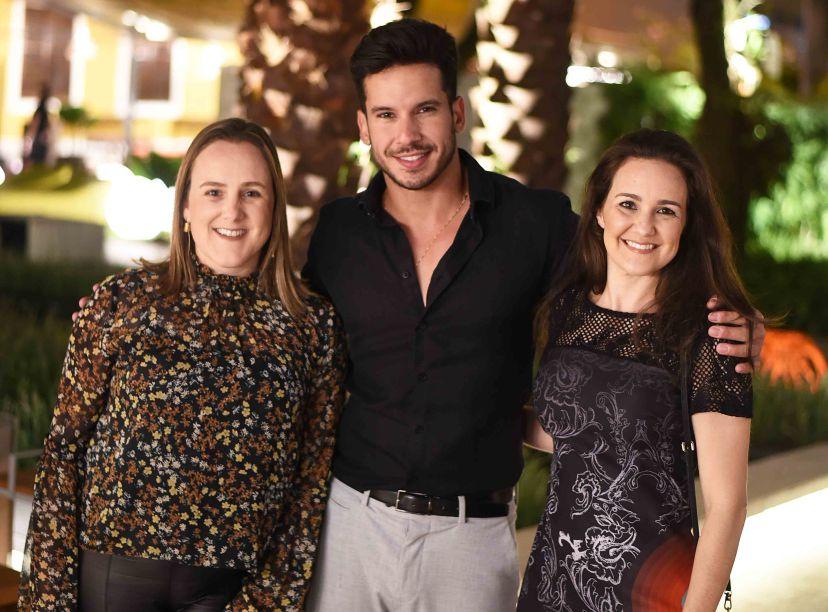 Roberta Nicolau, Carlos Carvalho e Lia Lamego