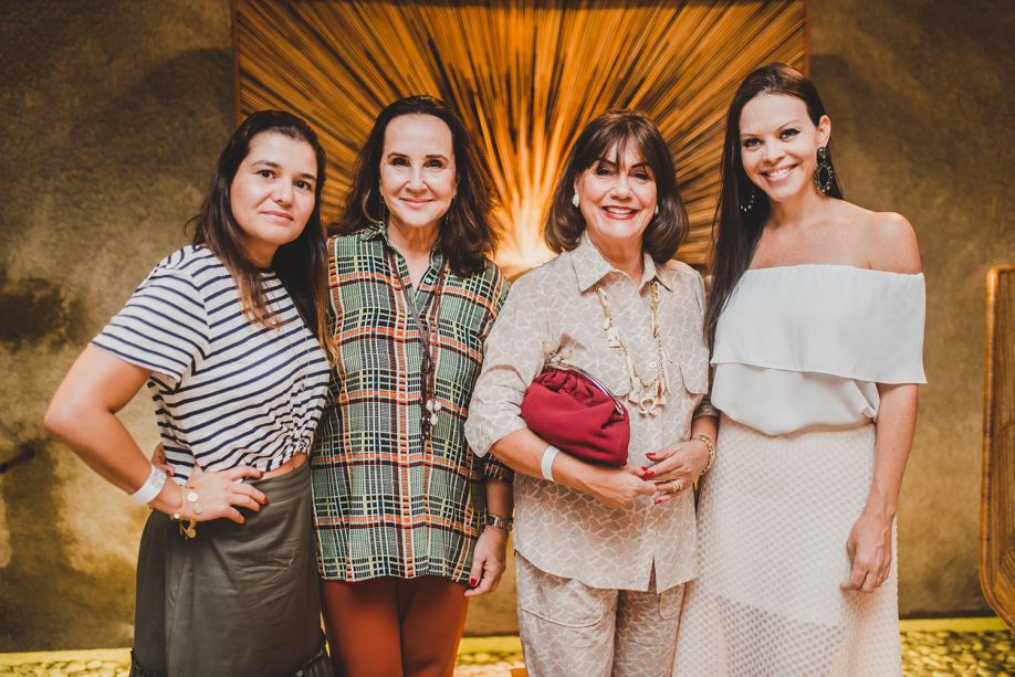 Bruna Teixeira, Maria Tereza Cavalcanti, Ana Maria Gontijo e Carolina Nathair.