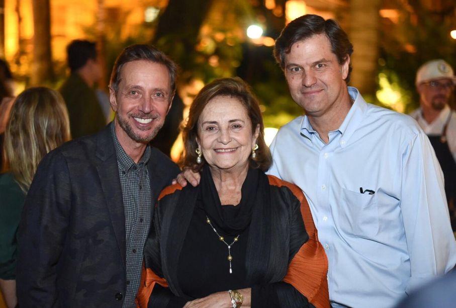 Nando Grabowsky, Lucinha Araújo e Sergio Francisco Monteiro de Carvalho.