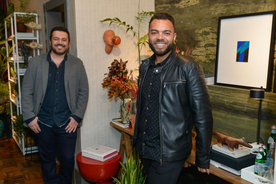 Profissionais Jairo Lopes e Pedro Tessarollo