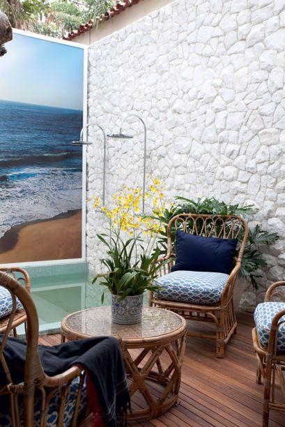 CASACOR São Paulo 2013 - Sig Bergamin. O arquiteto projetou um spa integrado com inspiração em uma casa de praia, em que o visitante pôde conhecer novos modelos de louças, metais e tendências em acabamentos apresentados pela marca.